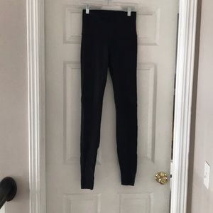 Black high rise lulu lemon under wunder leggings